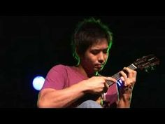 ▶ Jake Shimabukuro - Dragon - YouTube
