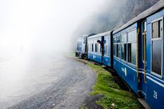 Honeymoon destination like Maldives, Dubai, Paris is on your list as a wish to visit and spend some quality time with your partner. But, what if you have lesser days between your schedule? Then think about a honeymoon destination in India. Darjeeling, Dubai, Scenic Train Rides, Asia, Best Honeymoon Destinations, Train Journey, Hill Station, West Bengal, Train Travel