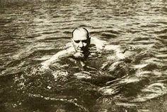 Resim: Sportmen kişiliği vardı. Her gün at biner, yüzmeye gider ve bilardo oynardı.