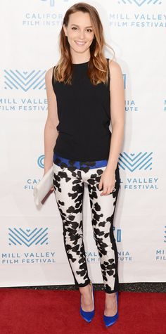 Leighton Meester wears Narciso Rodriguez black tank top and white floral print pants that she wore in Mill Valley Brian Atwood pumps Leighton Meester, Celebrity Red Carpet, Celebrity Dresses, Celebrity Style, Floral Print Pants, Printed Pants, Patterned Pants, Red Carpet Looks, Nyc