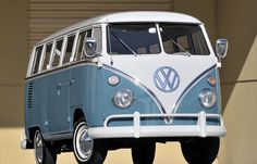 Volkswagen Deluxe Samba Bus van classic socal lowrider custom f Volkswagen Transporter, Volkswagen Bus, Vw Kombi Van, T1 Bus, Vw T1, Bus Camper, Campers, Ferdinand Porsche, Kombi Hippie
