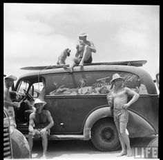 Now that is a surf wagon! Surf 2, Hawaii Surf, Sun Worship, Cute Young Girl, Surfer Style, Beach Images, Surf City, Photo Black, Beach Bum