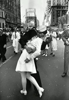 One of my favorite pictures. A kiss in times square
