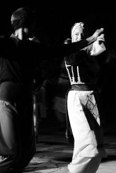 Greek traditional dance – 2020 World Travel Populler Travel Country Folk Dance, Dance Music, Greek Dancing, Old Greek, Shall We Dance, Crete Greece, Folk Costume, Thalia, Culture