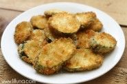 Restaurant-style Fried Zucchini - this delicious side and appetizer is a family favorite. Fried to perfection, this dish often served with Ranch or marinara is simply addicting! Fried Zuchinni, Fried Zucchini Recipes, How To Fry Zucchini, Breaded Zucchini, Fried Zucchini Chips, Zucchini Appetizers, Recipe Zucchini, Stuffed Zucchini, Zucchini Boats