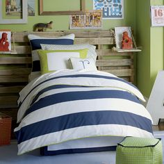Love the color combo of navy and green. Also love the large letters scattered around.