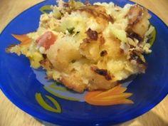 Galuskás-darált húsos egytálétel Mozzarella, Cauliflower, Vegetables, Food, Cauliflowers, Vegetable Recipes, Eten, Veggie Food, Meals