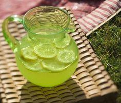 Lavender Lemonade recipe- can use Monin Lavender syrup