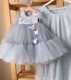 Dress For Girl Child, Kids Dress Wear, Kids Gown, Girls Frock Design, Kids Frocks Design, Cute Little Girl Dresses, Baby Girl Party Dresses, Frocks For Girls, Gowns For Girls