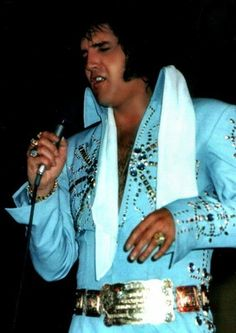 Elvis looking ever so lovely