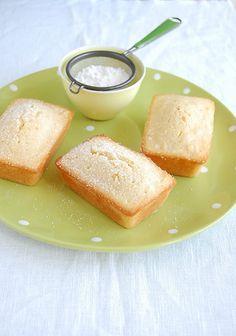 Technicolor Kitchen - English version: Little lemon syrup soaked coconut cakes