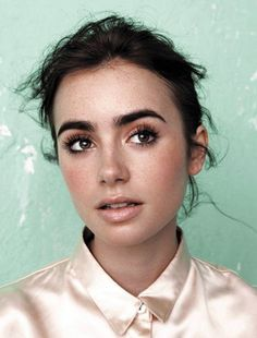 Lily Collins - love her makeup  Can I have her eyebrows?