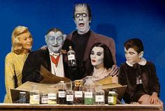 Los-Monsters The Munsters, Munsters Tv Show, Munsters Theme, The Philadelphia Story, Montgomery Clift, Yvonne De Carlo, Mary Tyler Moore, La Familia Munster, Herman Munster