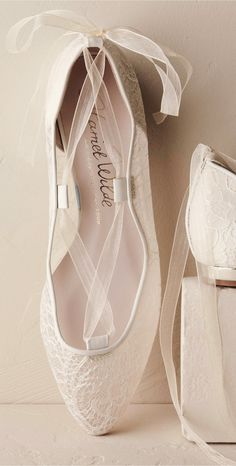 Gorgeous bridal flats