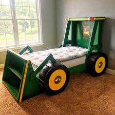 John Deere Bedroom, Tractor Bedroom, Truck Bedroom, Tractor Nursery, Wood Crate Furniture, Kids Furniture, Kids Bedroom, Bedroom Decor, Diy Mattress