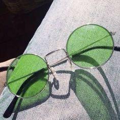 Mint Green Aesthetic, Aesthetic Colors, Aesthetic Pictures, Cute Glasses, Glasses Frames, Cat Eye Sunglasses, Sunglasses Women, Vintage Sunglasses, Color Verde Claro