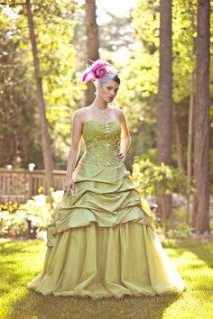 Love this light, Peacock Wedding dress