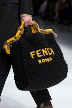 Fendi Fall 2020 Men& Fashion Show Details Lv Handbags, Handbags Michael Kors, Luxury Handbags, Michael Kors Bag, Men Fashion Show, Fashion Bags, Mens Fashion, Runway Fashion, Fashion Spring