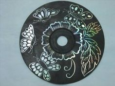 Creative Ideas - DIY Wall Art From Old CDs