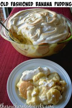 Old-fashioned banana pudding--This is exactly how I make mine! Real banana pudding contains NOTHING instant, and NO Coolwhip! This is real banana pudding, and it is delicious. by temintererei No Bake Banana Pudding, Southern Banana Pudding, Banana Pudding Recipes, Banana Custard Recipe, Banana Pudding From Scratch, Old Fashioned Banana Pudding, Just Desserts, Dessert Recipes, Parfait Recipes