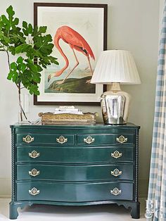 We're only three months into the year, but there are already a few clear home decor favorites. See which styles, patterns, and accents top the list. Tropical Bedrooms, Tropical Houses, Tropical Decor, Tropical Colors, Tropical Design, Bright Colors, Estilo Tropical, Wood Images, Flamingo Art