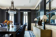 Navy Blue Decor, Grey Ceiling, Interior Design Books, Modern Farmhouse Exterior, Traditional Interior, Innovation Design, Fine Dining, Living Spaces, Interiors