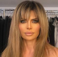 Lisa Rinna Debuts Supermodel-Inspired Blonde Hair and Bangs: 'We Instantly Named Her Heidi' - All For Hair Color Trending Spring Hairstyles, Hairstyles With Bangs, Lisa Rinna Wig, Lisa Hair, Magic Hair, Long Hair With Bangs, Long Wigs, Great Hair, Gorgeous Hair