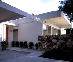 #10: Moore House  Built: 1962  Architect: Donald Wexler; Bernard Perlin, engineer  Where: Palm Springs  Status: Its meticulous restoration helped spur Palm Springs' newfound love of all things mid-century modern.  Structure: Like the Perlin House of Los Angeles, the Moore house (as well as the six other steel tract homes Wexler designed for the Alexander Construction Co.) is held up by structural steel panels, not a steel frame. Steel panels also make up the roof and ceiling.