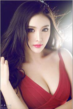 Wang Xinyi (王馨漪)