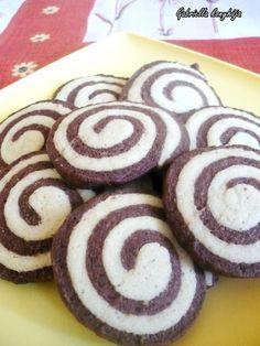 Gabriella kalandjai a konyhában :): LINZER CSIGA - nem csak a gyerekek kedvence :) Hungarian Desserts, Hungarian Recipes, Hungarian Food, Christmas Snacks, Cookie Jars, Nutella, Sweet Recipes, Cookie Recipes, Sweet Tooth