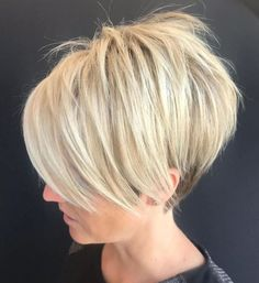 Pixie Haircuts with Bangs – 50 Terrific Tapers Blonde Shaggy Pixie Bob Related New Short Haircuts for Older Women with Fine HairLatest Bob Haircuts for Fine Hair in 2019 - Styles Fantastic Choppy Bob Hairstyles For All Moods And Occasions Short Bob Haircuts, Haircuts With Bangs, Hairstyles Haircuts, Straight Hairstyles, Cool Hairstyles, Haircut Short, Haircut Bob, Pixie Bob Hairstyles, Short Pixie Bob