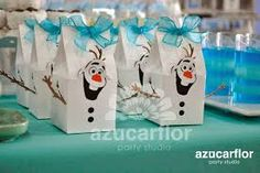 centros de mesa de frozen - Buscar con Google Frozen Birthday Party, Olaf Party, Olaf Birthday, Frozen Theme Party, 6th Birthday Parties, Frozen Party Bags, Frozen Favor Bags, Ice Skating Party, Fiesta Party