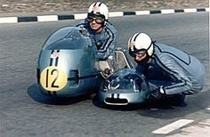 Sidecar action Isle of Man 1971