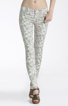 UGH I want floral pants SO BAD! These pretty ones are from 7 for all Mankind :)