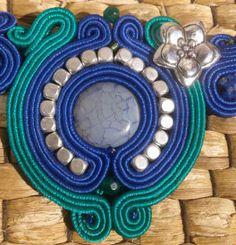 Collar corto azul y verde soutache - Blumai