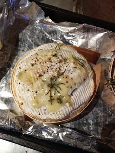 Effy Talks Life - A Lifestyle Blog: Indulgent Garlic and Rosemary Baked Camembert