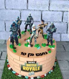 עוגת זילוף פורטנייט שולמית כהן | Cake Factory Birthday Cake Kids Boys, 7th Birthday Cakes, Park Birthday, 10th Birthday Parties, Birthday Desserts, Fête Jurassic Park, Tutu Cakes, Hedgehog Cake, Gravity Defying Cake