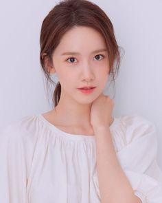 Korean Girl Band, Instyle Magazine, Cosmopolitan Magazine, Yoona Snsd, Yoga Fashion, Girl Bands, Korean Celebrities, Korean Actresses, My Princess