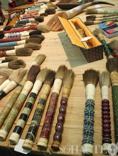 TRENDSPOTTING: Ethnic Textiles and Accessories Galore at the NY International Gift Fair! | So Haute