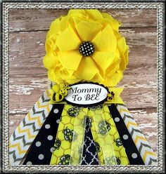 Mommy To Bee Corsage Bee Baby Shower Corsage Mom by BloomingParty