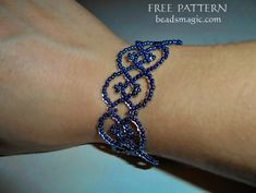 Free pattern for bracelet Azora