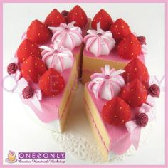 FELT CAKE PRETEND FOOD 6 Inch Strawberry Felt Cake