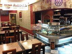 Restaurante em Campo de Ourique com 80m2 e um lugar de estacionamento! A funcionar em pleno com EXCELENTE clientela!! Venda: €325.000,00 (Inclui paredes e recheio) Trespasse: €125.000,00 com...
