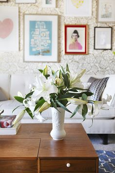 Joy Cho's living room after Secrets from a Stylist.  LOVE!