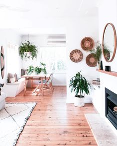 "17 of our favorite bohemian bloggers on Instagram. #[""Inspiration"", ""eclectic"", ""minimalist"", ""scandinavian"", ""vintage"", ""boho"", ""bohemian""]"