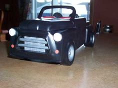 PICKUP DODGE TOIT COUP image Woodworking Projects Diy, Diy Projects, Wooden Car, Dodge, Garage, Puzzle, Toys, Wooden Toy Plans, Miniatures