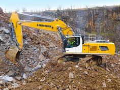 Productive in the quarry: the Liebherr R 960 SME crawler excavator!