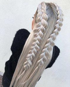 Icy silver platinum blonde hair #BlondeHairstylesIdeas
