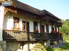 Related image Rural House, Balcony Railing, Vernacular Architecture, Traditional House, Cabana, Old Houses, My Dream Home, Homesteading, Pergola