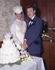 Allison Chesney Wedding C. Yes To The Dress, Vintage Weddings, Wedding Goals, Bridal Fashion, Veils, Wedding Portraits, Beautiful Bride, Bridal Style, Bridal Dresses
